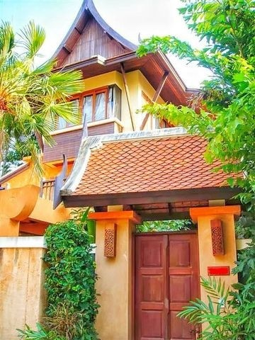 For Sale Single House Thai style 3.5 Storey, with private swimming pool in Pattaya (SPS Ann048)