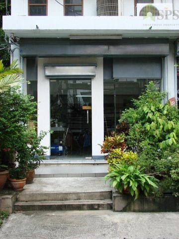 For Rent Home Office 4 Storeys Near Huai Khwang District Office (SPS Ann091)