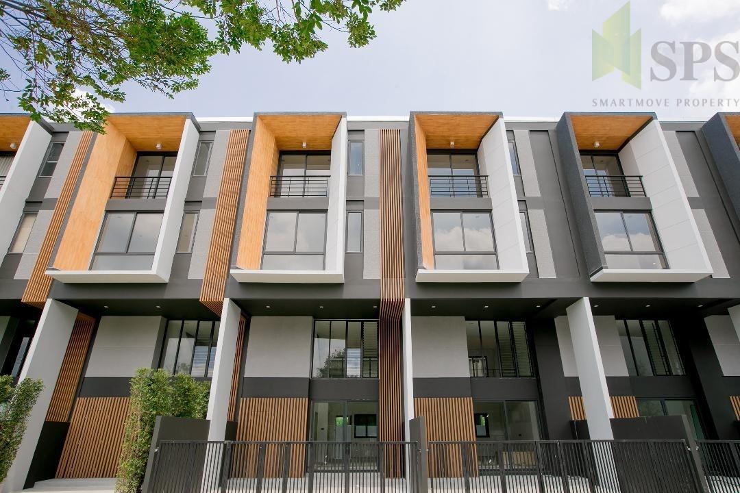 For Rent TOWNHOME PHATTHANAKAN 32, 4 beds ให้เช่าทาวน์โฮม พัฒนาการ 32 (SPSEVE-H367)