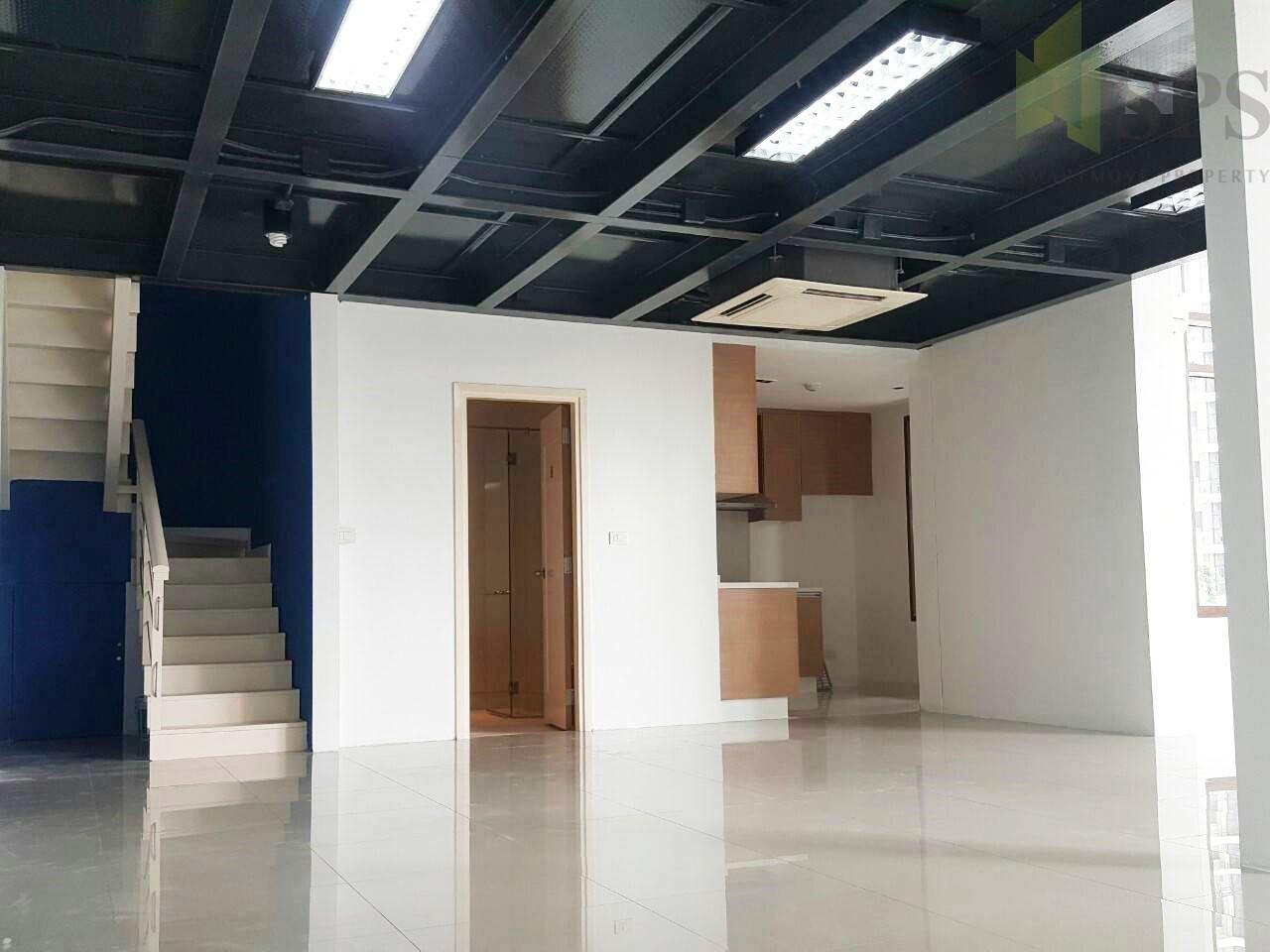 For SALE Condo Duplex room in Sukhumvit 24 near BTS Phrompong(SPSN332)