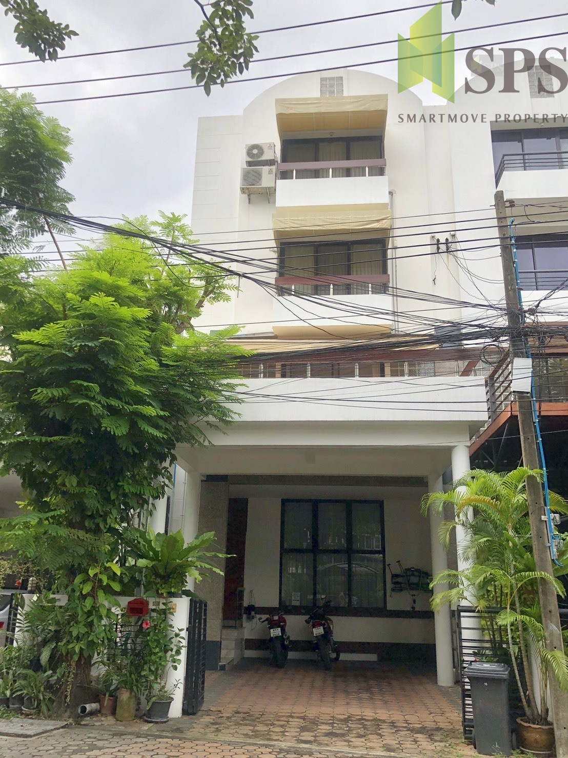 SALE Townhouse 4 beds in Moo Baan Home Place (SPSP32)