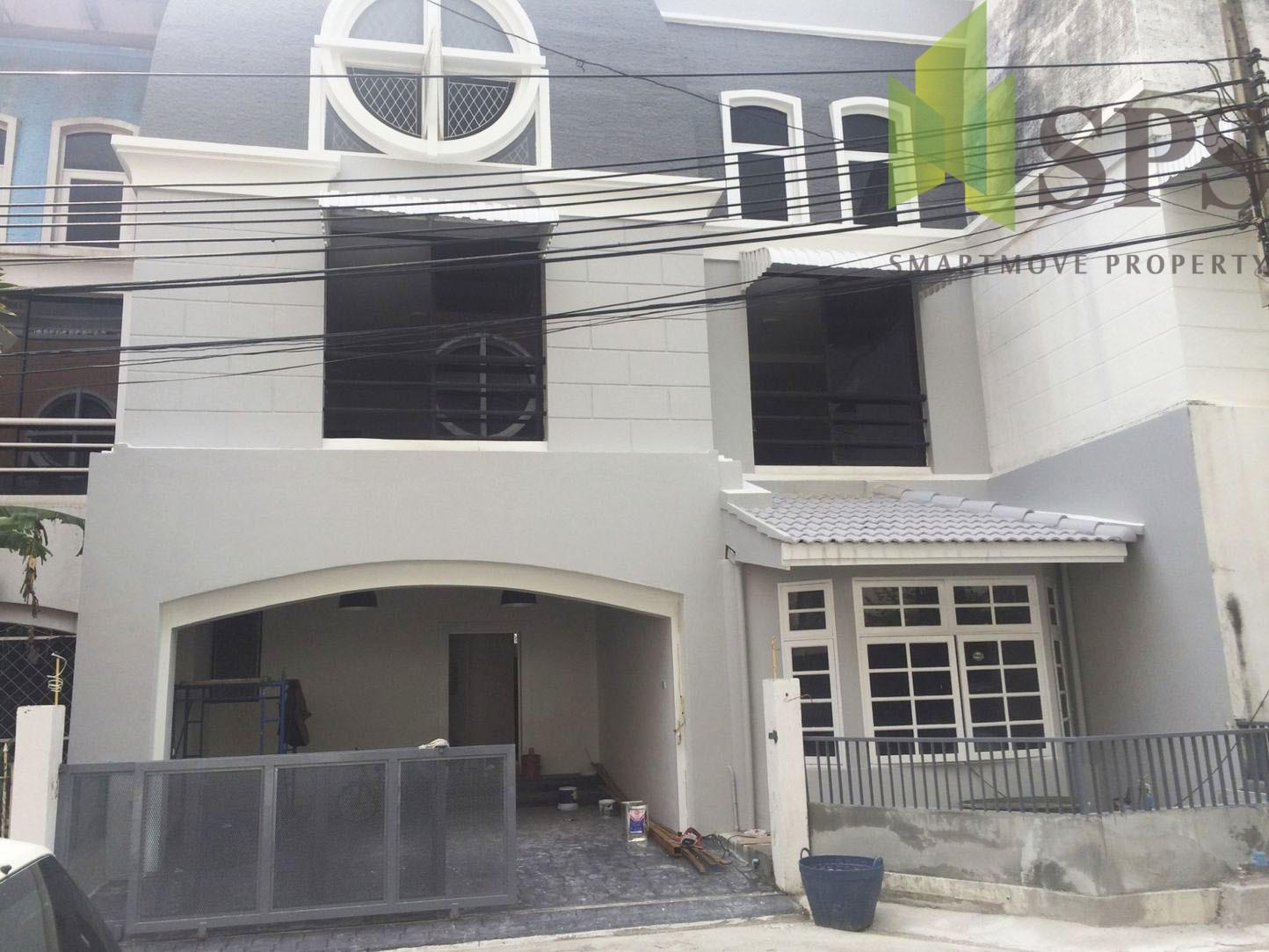 For Rent Town Home / Home office in Ekamai 12 (SPS Ann401)