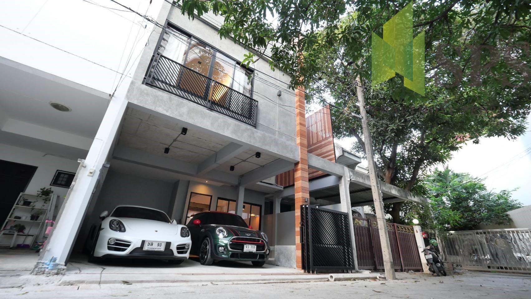 For Rent TownHouse 2 Storeys in Sukhumvit 49 Near BTS Thonglor (SPS Ann410)