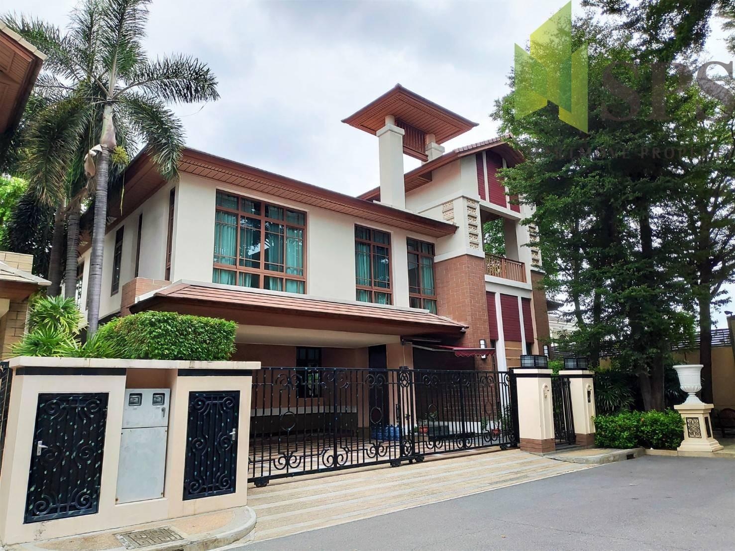 Super Luxury House in Baan Sansiri Sukhumvit 67 for RENT (SPSP220)