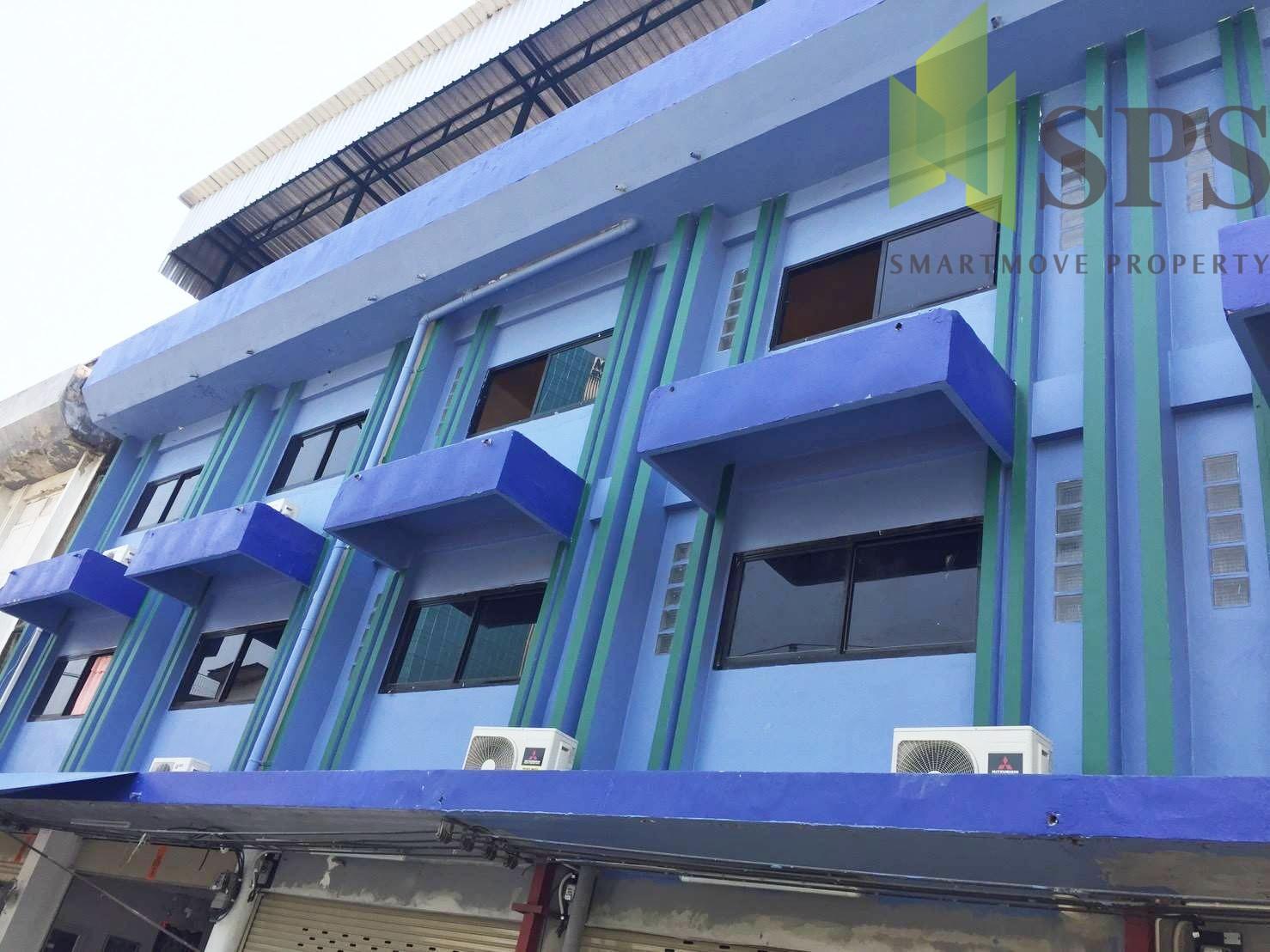 FOR RENT Triple Shophouse in Klongtan (SPSCS080)
