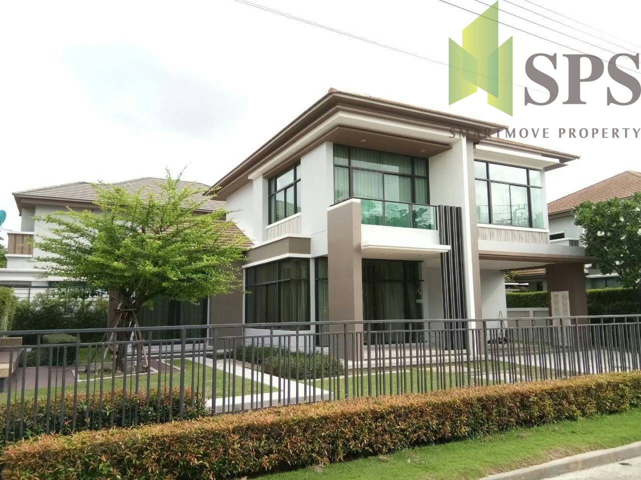 Modern Single House at The Grand Bangna – Wongwaen (SPS-GH361)