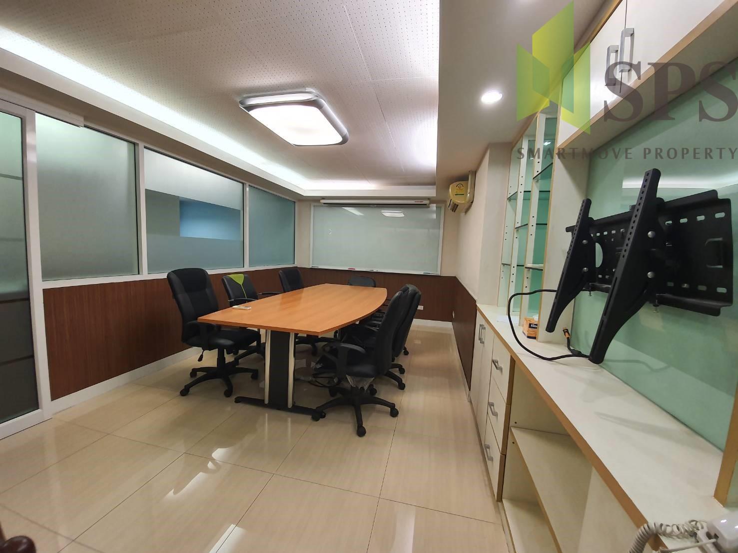 พื้นที่สำนักงานให้เช่าซอยปรีดีย์ 14 พระโขนง ขนาดพื้นที่ 212 ตารางเมตร( SPSPE331)