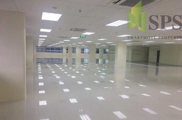 สำนักงานให้เช่าใกล้ MRT พระราม 9 พื้นที่ 1285 ตารางเมตร อาคารรุ่งโรจน์ธนกุล ( SPSPE242)