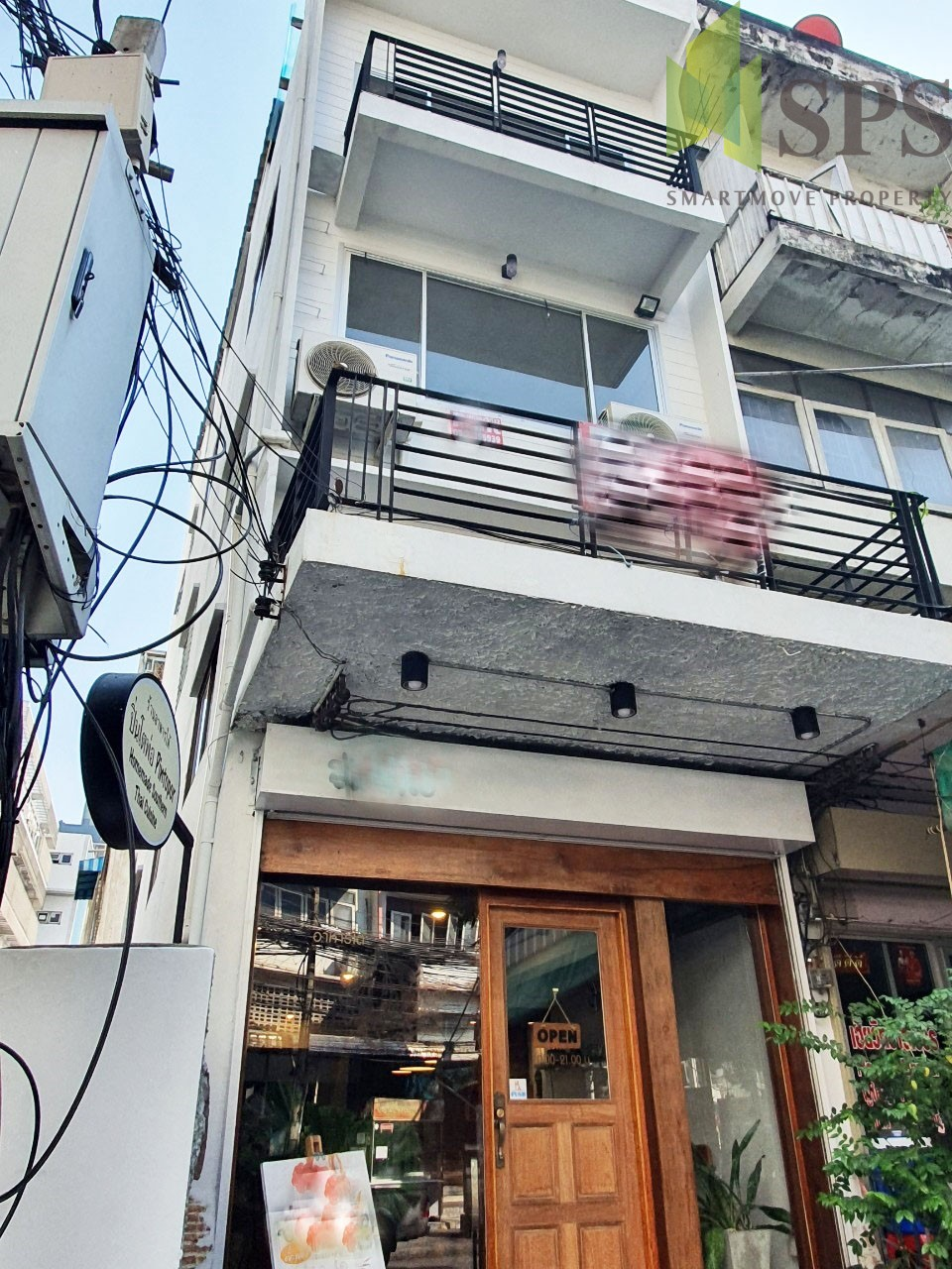 For Rent Shophouse near BTS Punnawithi ตึกแถว 1 คูหาให้เช่าใกล้บีทีเอสปุณวิถี ( SPSPE315)