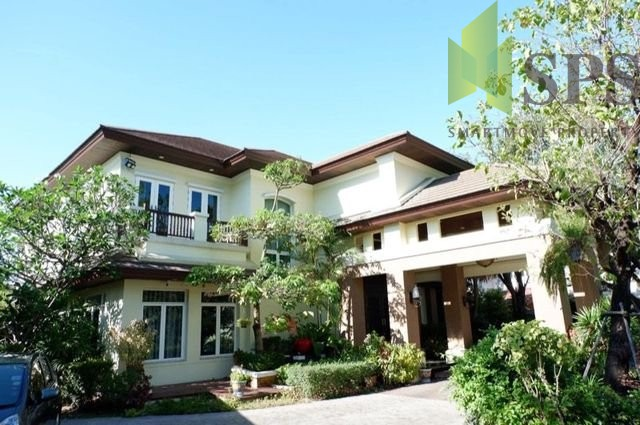 For Sale Luxury single house at Soi Yothin Phatthana 7 with pool (Property ID: SPS-PA179)