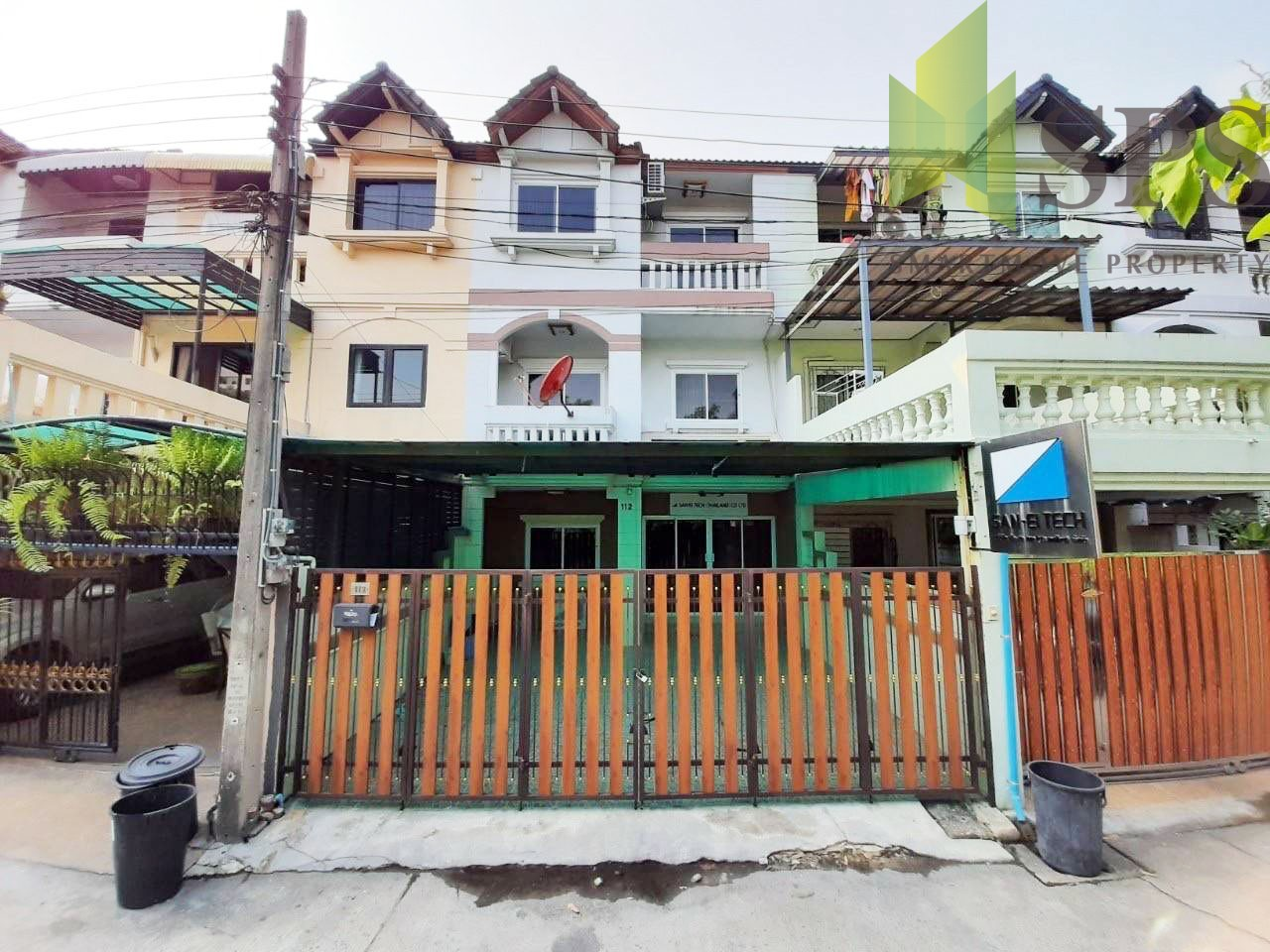Townhome for RENT / SALE in Sukhumvit 66/1 (SPSP230)