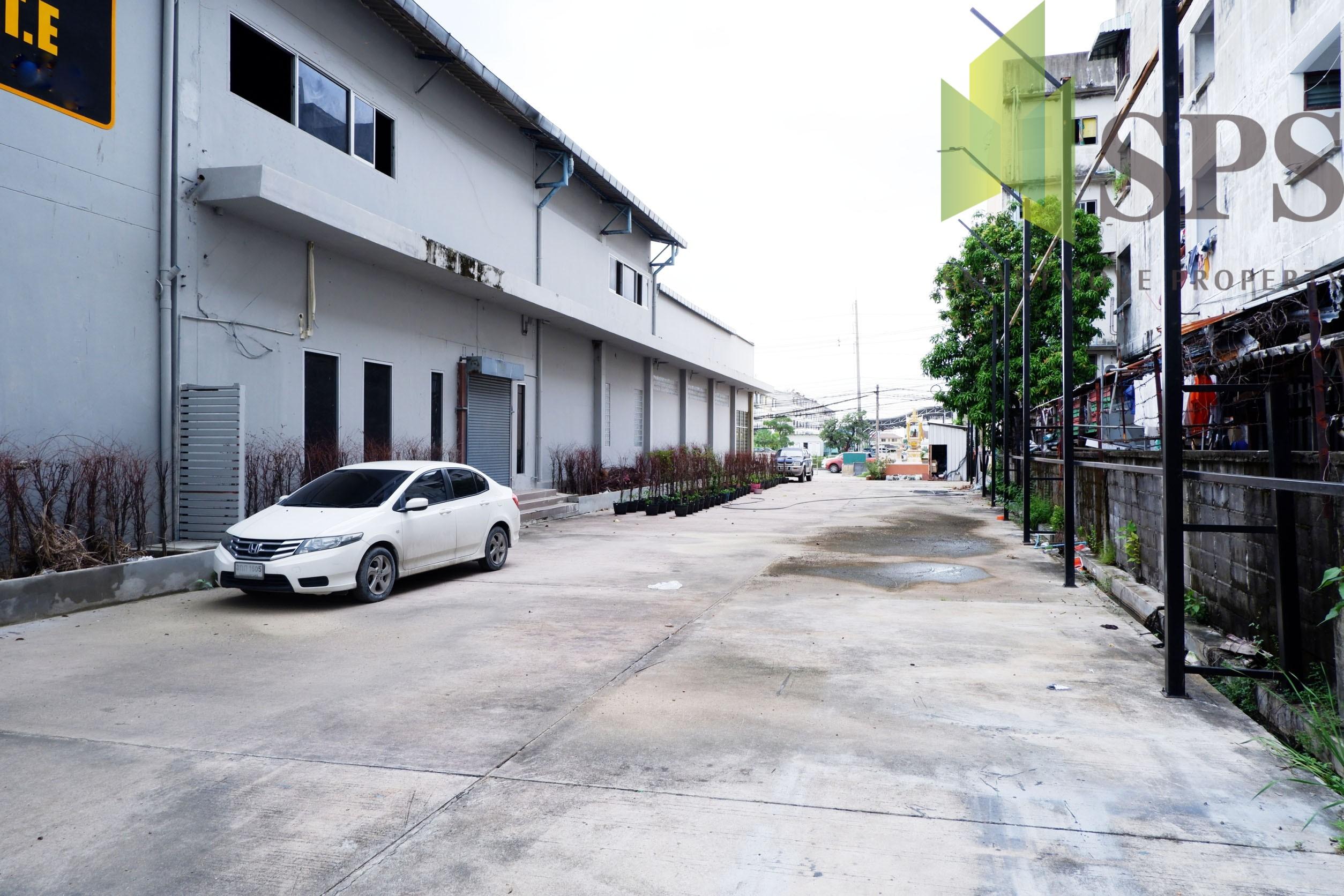 Warehouse For Rent คลังสินค้าให้เช่า ติดถนนศรีนครินทร์ เดินทางสะดวก(SPS-PPW132)