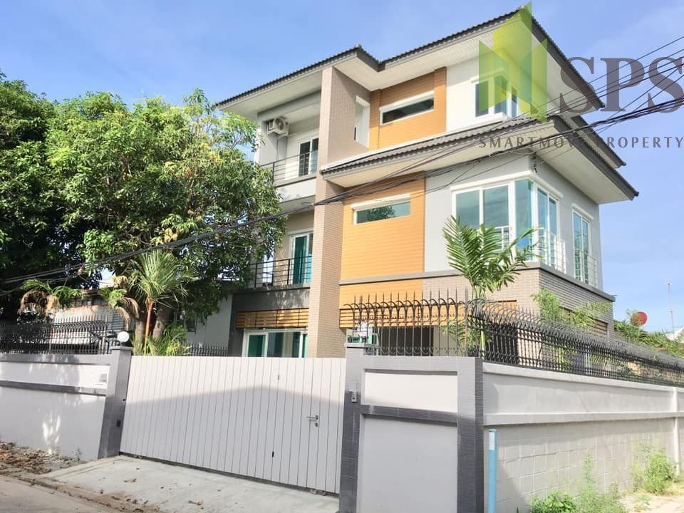 Single house in Ladprao 48 (SPS-GH607)