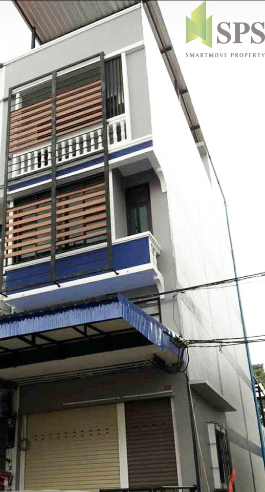 Commercial Buildings BTS Punnawithi (SPS-GH732)
