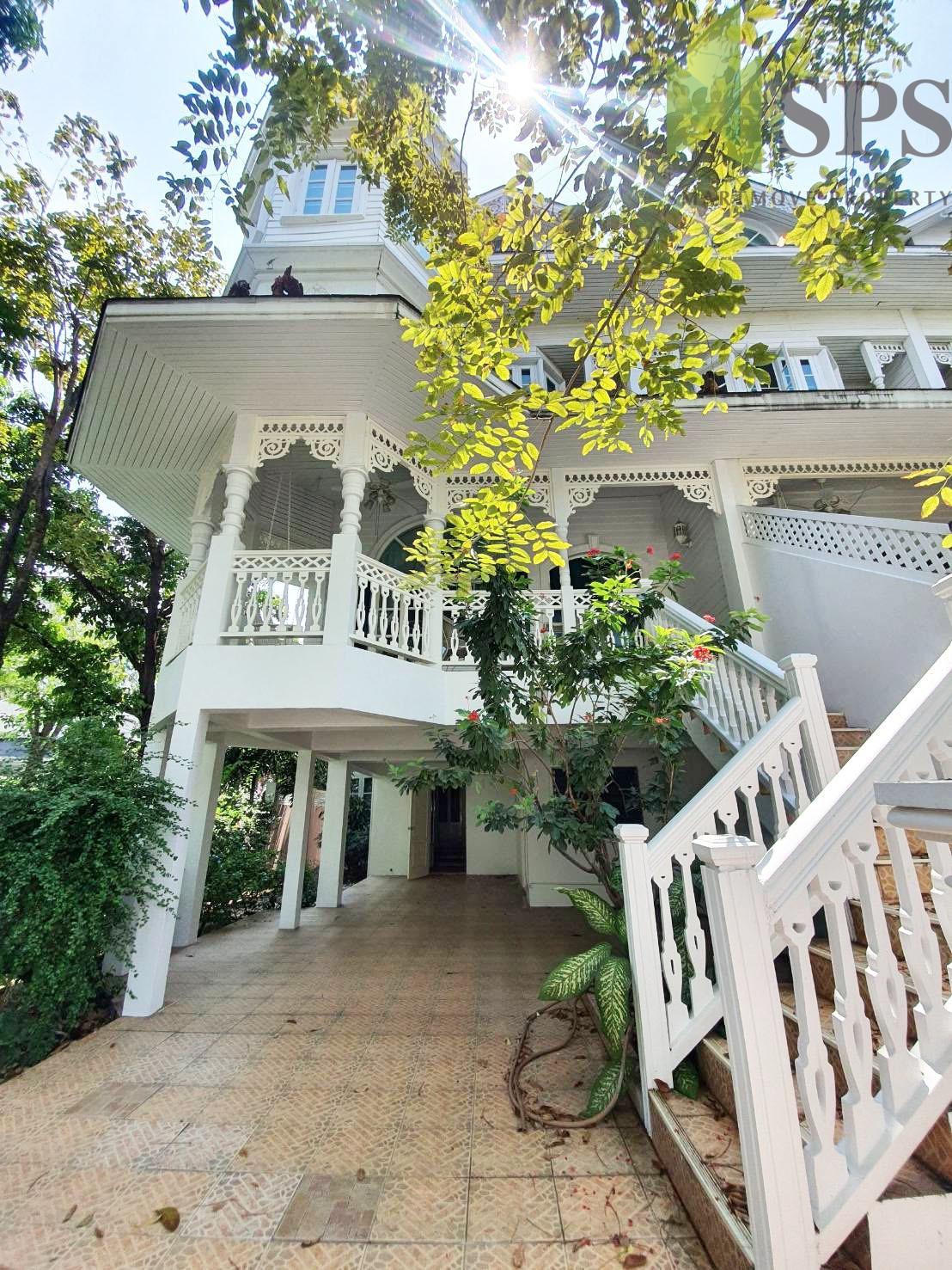 House Fantasia Villa 2 Sukhumvit 107 for RENT (SPS P300)