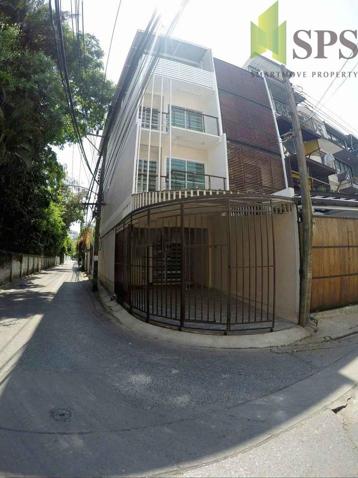 Townhome /Home Office Sukhumvit65 โฮมออฟฟิศ สุขุมวิท65 (SPS-GH1063)