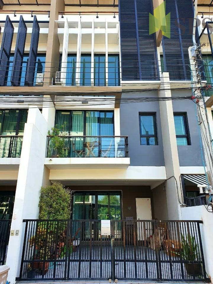 Townhome for RENT in Bless Town Sukhumvit 50 (SPSP362)